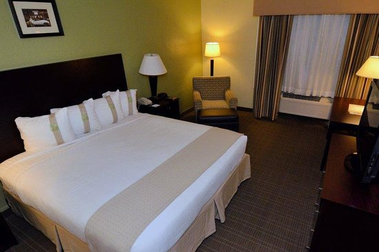 Holiday Inn Fort Myers Downtown Historic: King Bed Guest Room