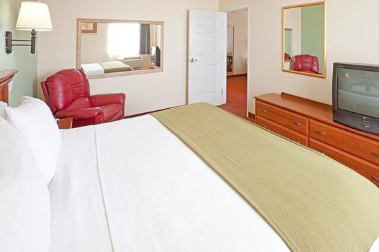 Holiday Inn Express Brownwood: Executive Suite