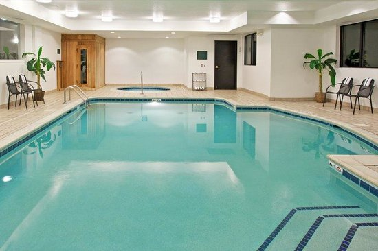 Holiday Inn Express Grove City-Prime Outlet Mall: Heated indoor Swimming Pool for some relaxation