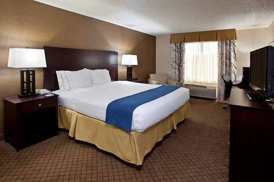 Holiday Inn Express Grove City-Prime Outlet Mall: King Bed Guest Room