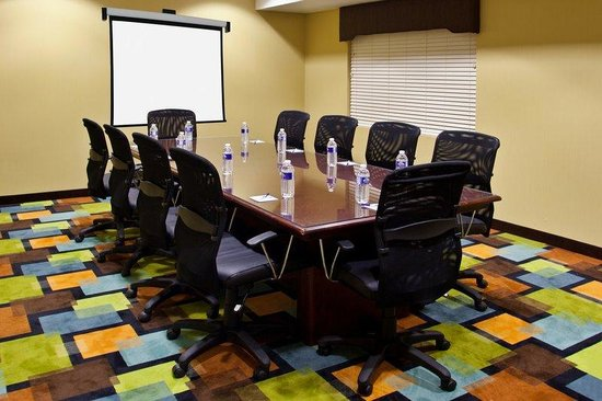 Holiday Inn Express Grove City-Prime Outlet Mall: New Executive Board Room