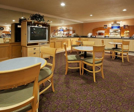Holiday Inn Express Union City/San Jose: Union landing Breakfast Room