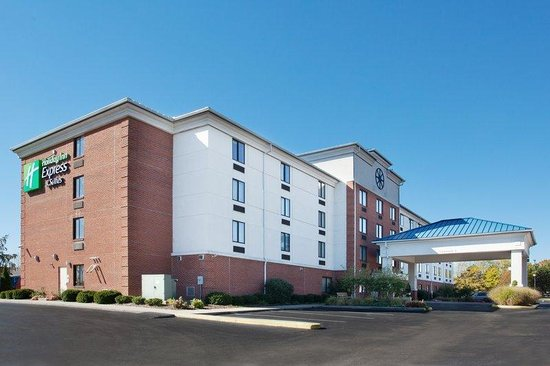 Holiday Inn Express Gahanna / Columbus Airport E: Hotel Exterior