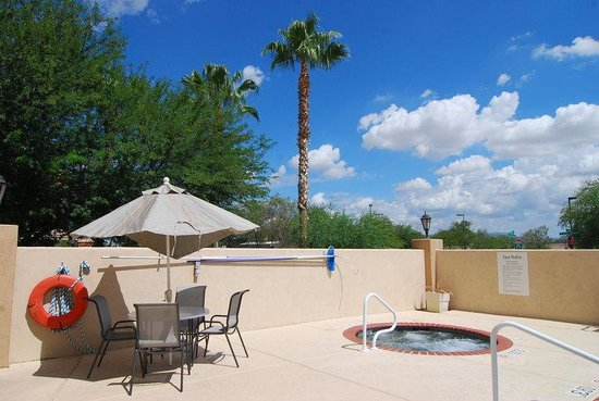 Holiday Inn Express Marana: Whirlpool