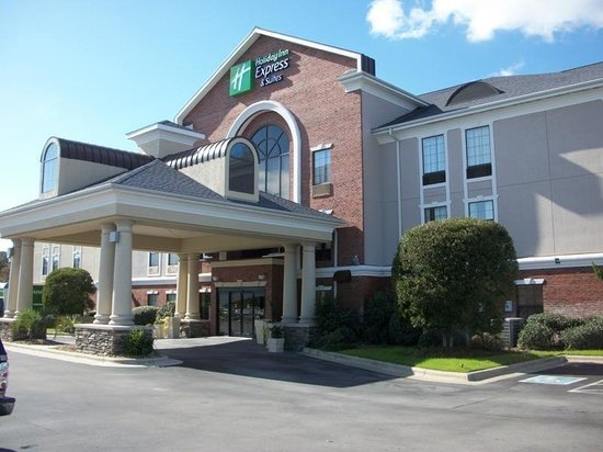 Holiday Inn Express Morehead City: Hotel Canopy Entrance into Lobby