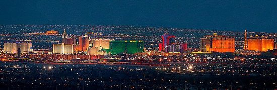 Holiday Inn Express Las Vegas Nellis: The Las Vegas Strip is 12 miles away.
