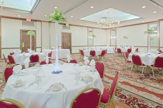Holiday Inn Staunton Conference Center: Ballroom