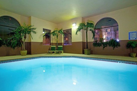 Holiday Inn Express Showlow: Swimming Pool
