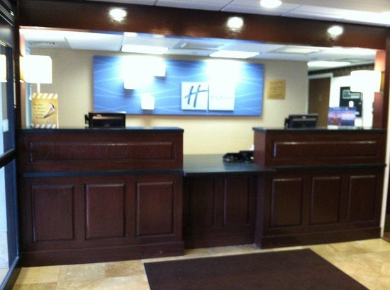 Middlesboro, KY: Front Desk
