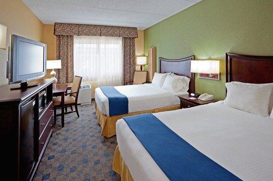 Holiday Inn Express Albany-Western Ave University: Double Queen Beds Guest Room