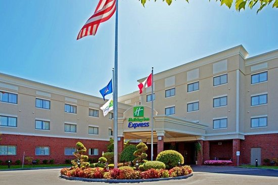 Holiday Inn Express Albany-Western Ave University: Hotel Exterior