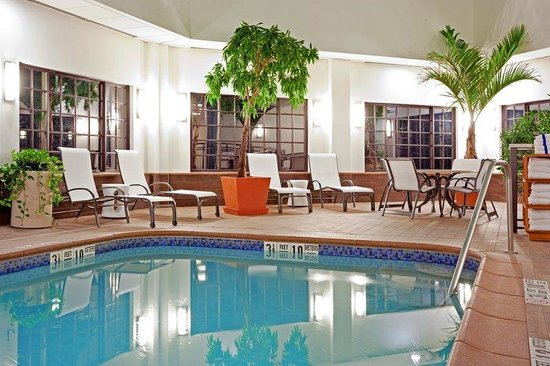 Holiday Inn Express Albany-Western Ave University: Swimming Pool