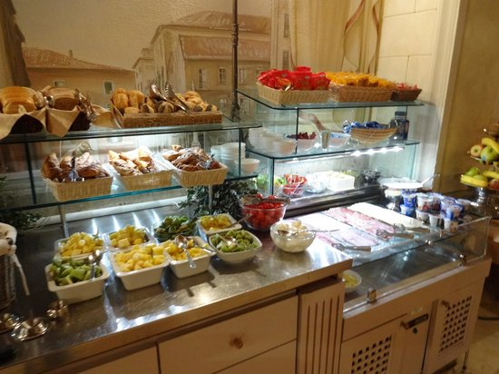 Bologna Hotel Pisa: Breakfast selection