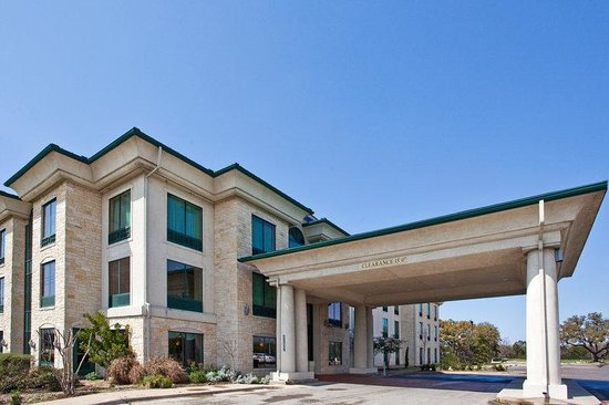 Holiday Inn Express &amp; Suites Austin - Sunset Valley: Hotel Exterior