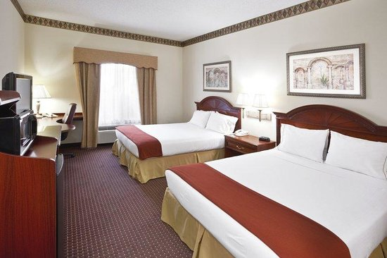 Holiday Inn Express Toledo-Oregon: Double Queen Bed Guest Room