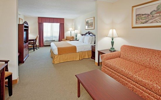 Holiday Inn Express Fulton: Great for longer stays.