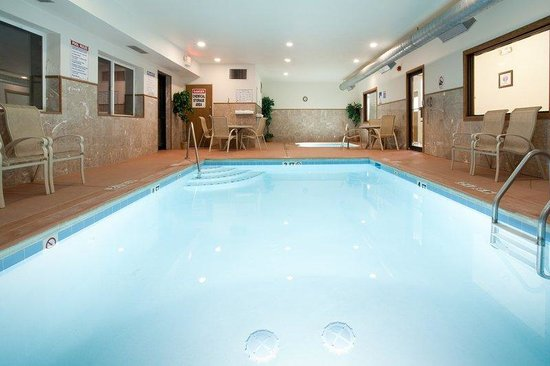 Holiday Inn Express Eagle: Swimming Pool