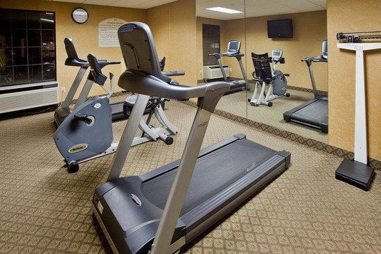 Holiday Inn Express South Boston: Fitness Center