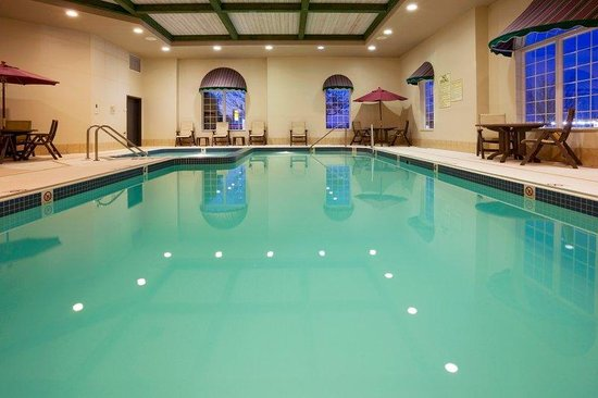 Holiday Inn Express Oshkosh-SR 41: Lap Pool