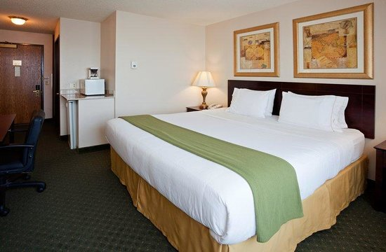 Holiday Inn Express Oshkosh-SR 41: Single Bed Guest Room