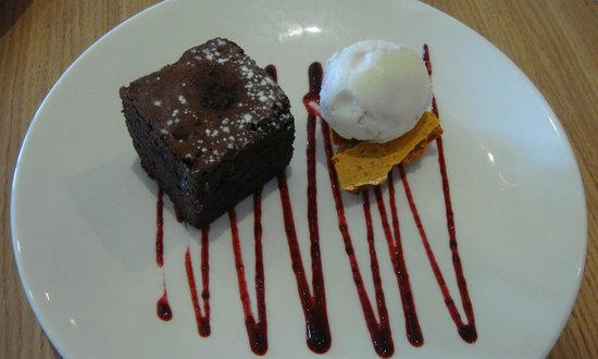 Great Dunmow, UK: Chocolate fudge cake