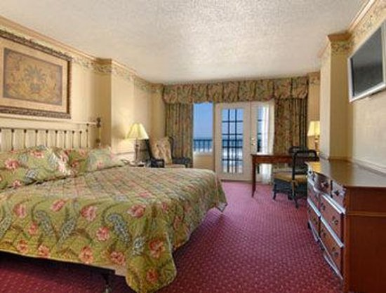 Howard Johnson Oceanfront Plaza Hotel: Ocean View King
