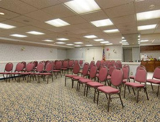 Howard Johnson Oceanfront Plaza Hotel: Meeting Room