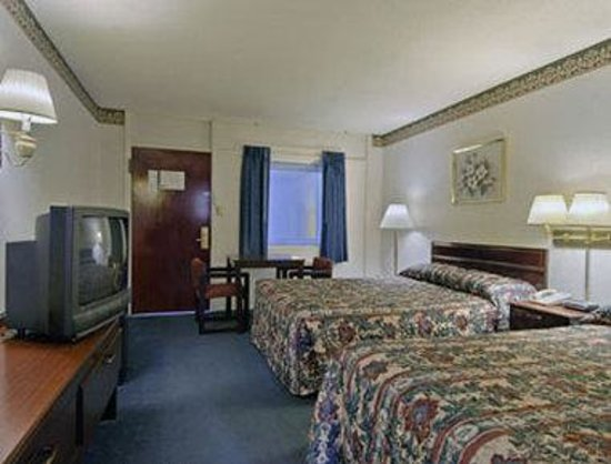 Howard Johnson Express Inn Bellmawr NJ/Philadelphia Area: Standard Two Double Room