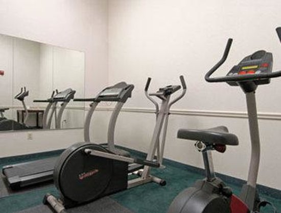Howard Johnson Express Inn Bellmawr NJ/Philadelphia Area: Workout Room