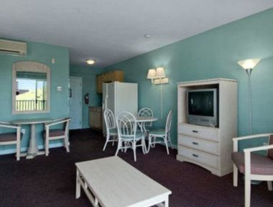 Howard Johnson Oceanfront Hotel: Two Bedroom Suite