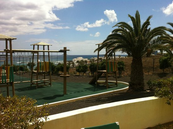 Hotel Be Live Lanzarote Resort: view from kids pool area