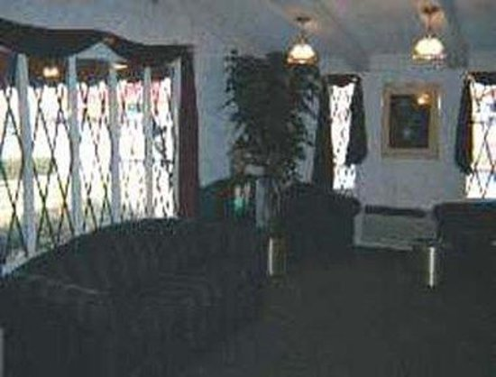 Knights Inn Charleston: Lobby View