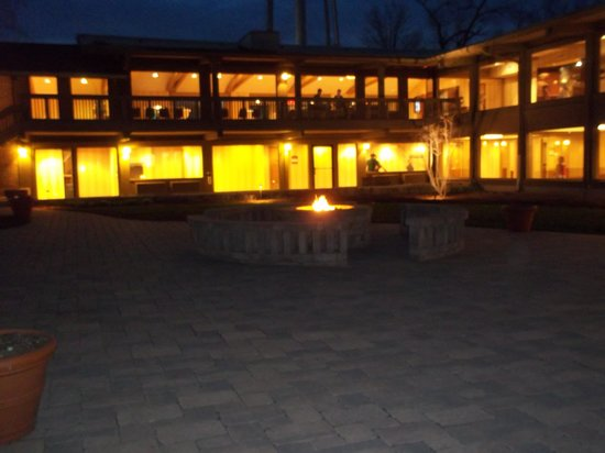 Lake Lawn Resort: s-mores a night ...awesome