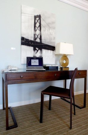 The Huntington Hotel &amp; Nob Hill Spa: Guestroom Office