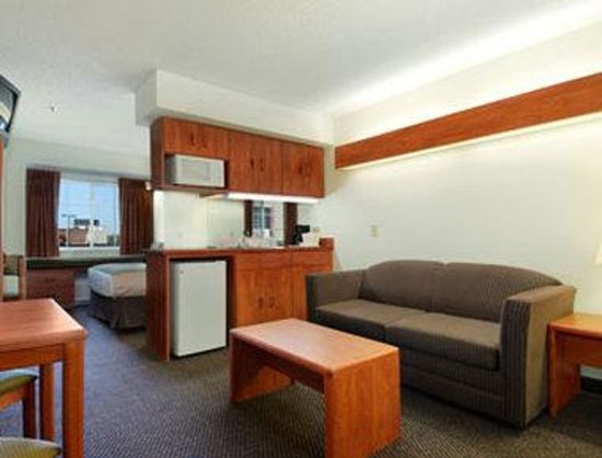 Microtel Inn & Suites by Wyndham Inver Grove Heights/Minneapolis: Suite