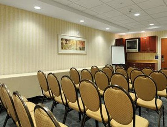 Microtel Inn & Suites by Wyndham Middletown: Meeting Room