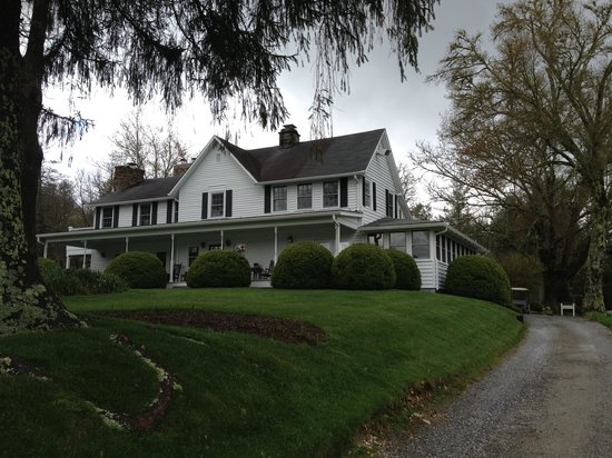 The Inn at Half Mile Farm: The Inn&#39;s main building