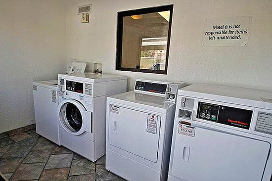 Motel 6 Charleston South: MLaundry