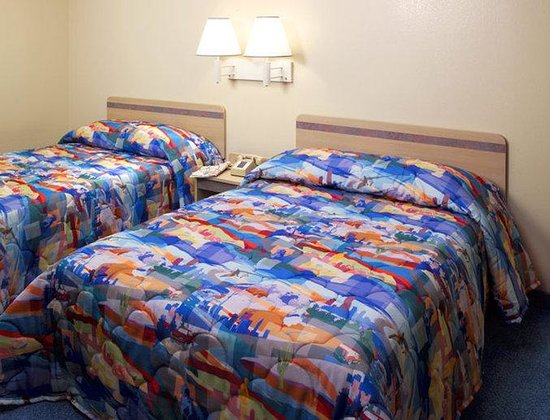 Motel 6 Newport: Intm Generic