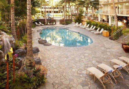 Courtyard by Marriott Waikiki Beach: Outdoor Pool