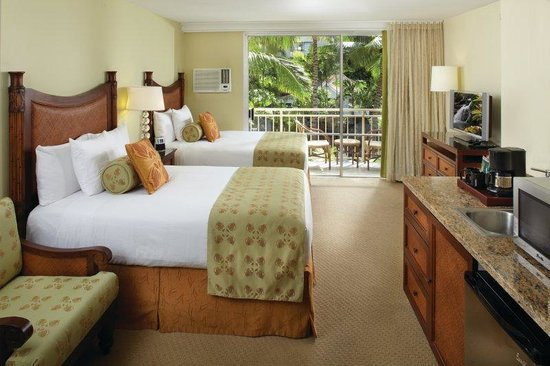 Courtyard by Marriott Waikiki Beach: Deluxe Double Guest Room