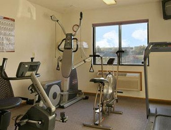 Super 8 Jefferson City: Fitness Center