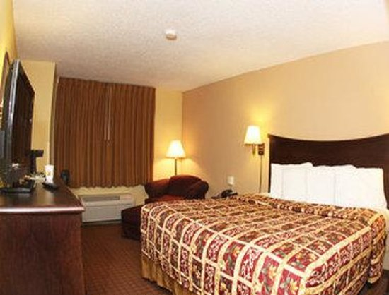 Kutztown, PA: Standard Queen Bed Room