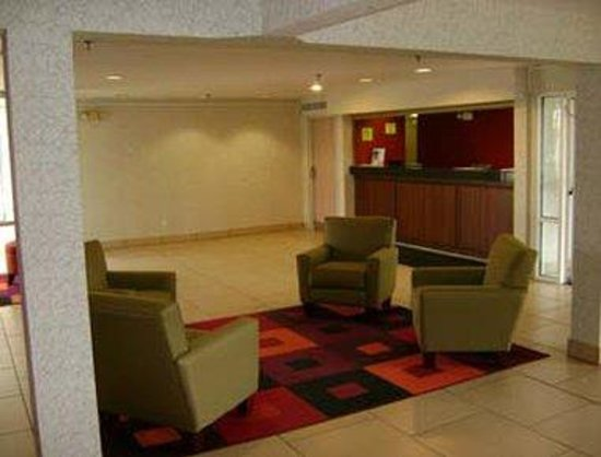 Super 8 Fort Wayne: Lobby