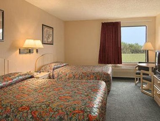 Troy, IL: Standard Two Double Bed Room