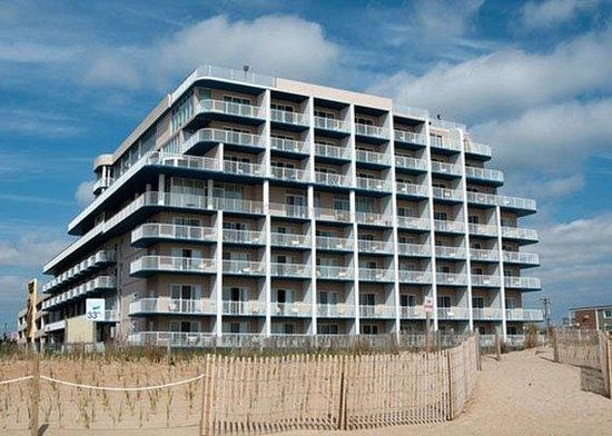 Quality Inn & Suites Beachfront Ocean City: Exterior