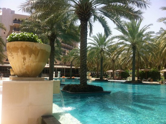 Al Bustan Palace, a Ritz-Carlton Hotel: Pool