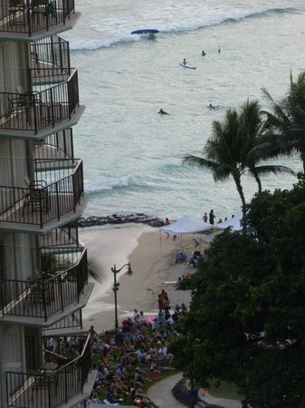 Waikiki Resort: Great View to Beach