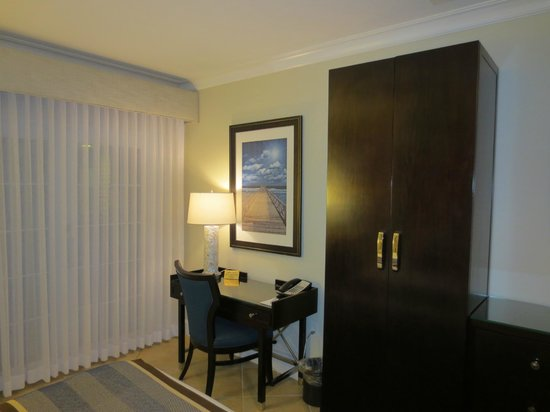 Southernmost Hotel: Room