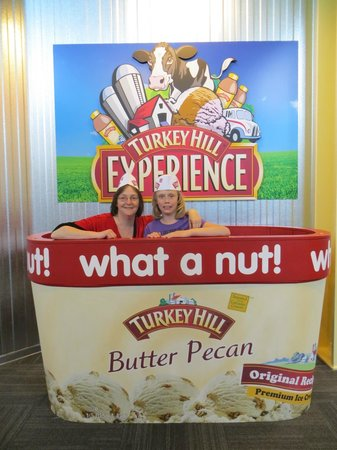 Columbia, Pensilvania: Turkey Hill Experience Fun!